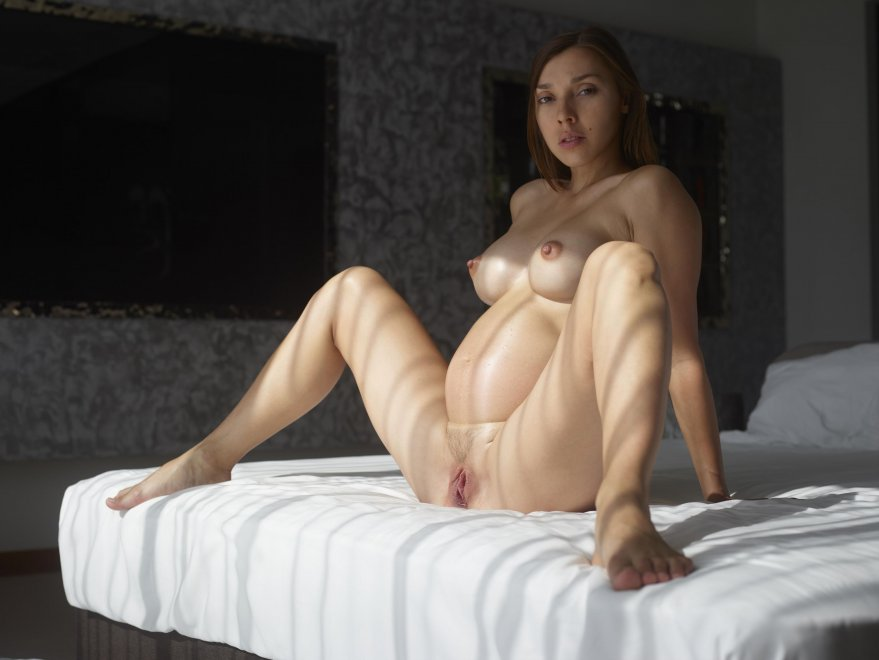 Legs spread Porn Photo
