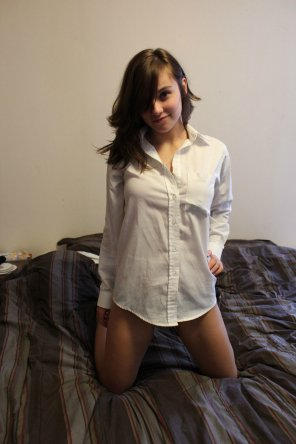 amateur photo White shirt