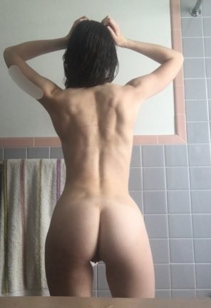amateur photo Back view [21F]