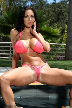amateur photo Bikini Ava Addams