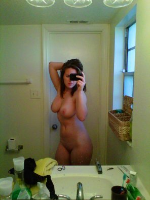 amateur photo Plain nude selfie