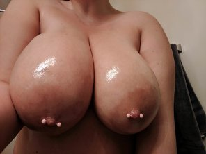 amateur photo Oiled up