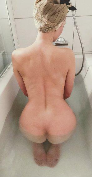 amateur photo Come take a bath with me [f]