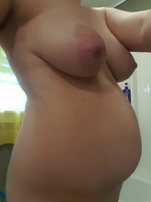 amateur photo Success, knocked up my milf gf