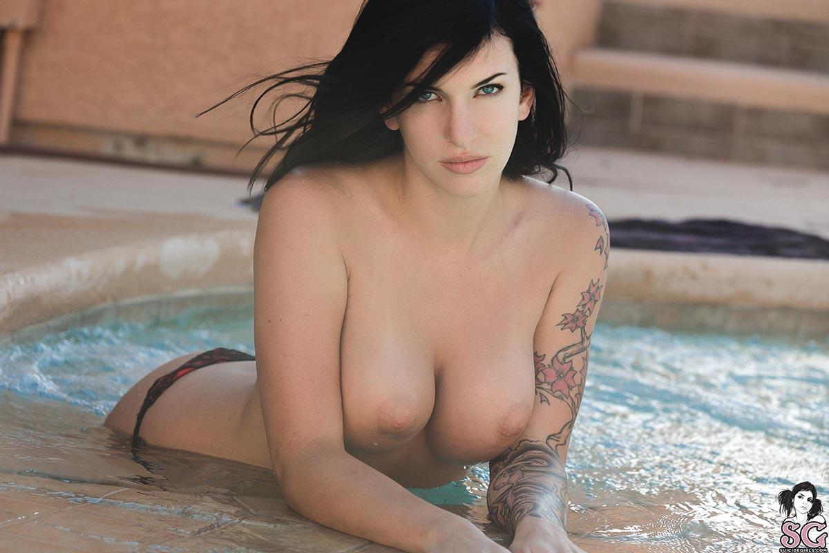 Hots Coralia Suicide Nude Gif