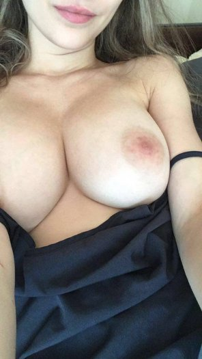 amateur photo I'm wearing no bra today under my dress :) [f] 21