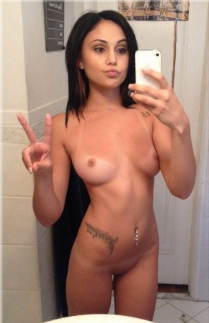 amateur photo Cute Latina Selfie