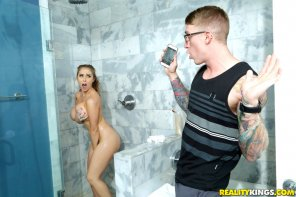 amateur photo Caught In The Shower – Lena Paul