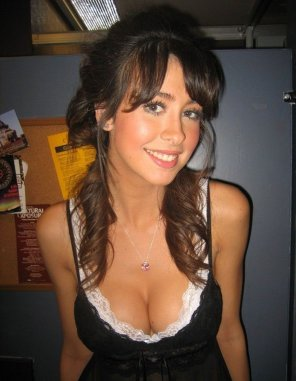 amateur photo Nice Cleavage