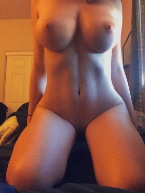 amateur photo Rocking body! Damn!