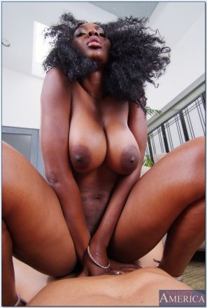 amateur photo Nyomi Banxxx