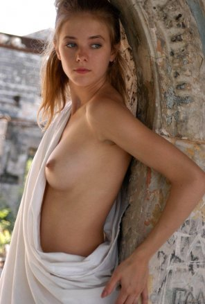 amateur photo Arch beauty