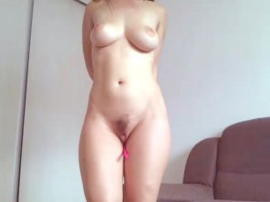 amateur photo tickle the pink tale in her pussy