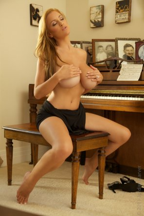 amateur photo Piano lessons