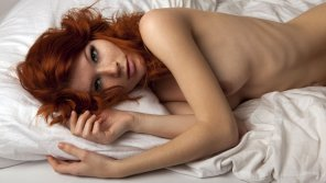 amateur photo Mia Sollis bedroom eyes
