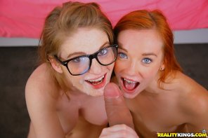 amateur photo Dani Jensen& Faye Reagan
