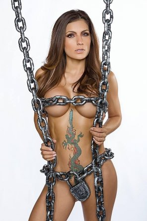 amateur photo locks and chains