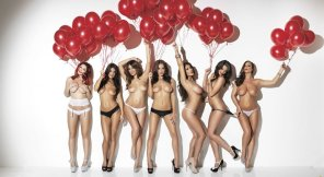 amateur photo Red balloons