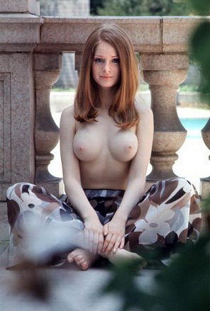 amateur photo Willy Rey, Playmate of February 1971