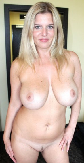 Perfect 34dd nude breasts boobs selfie