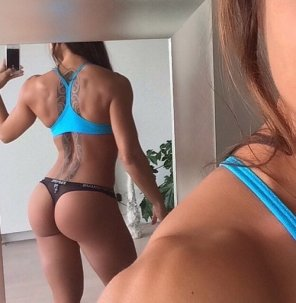 amateur photo Baby got back
