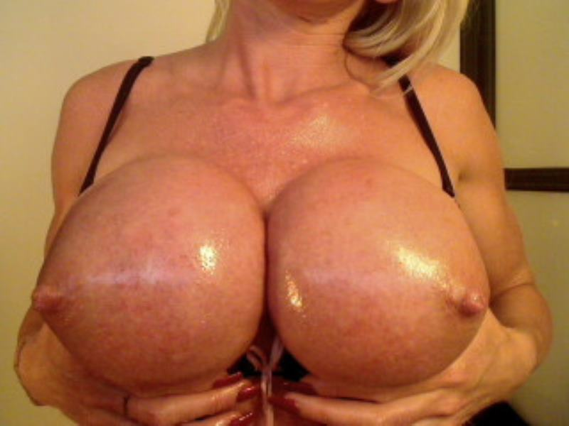 Mature amateur wife kissing and passonite love