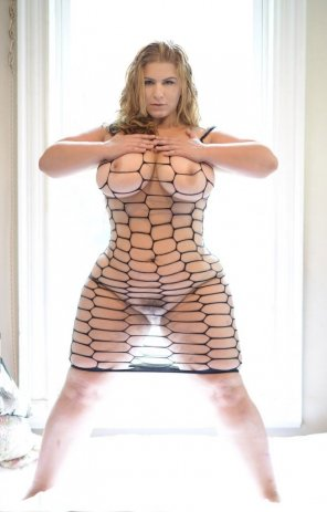 amateur photo London Andrews in fishnets