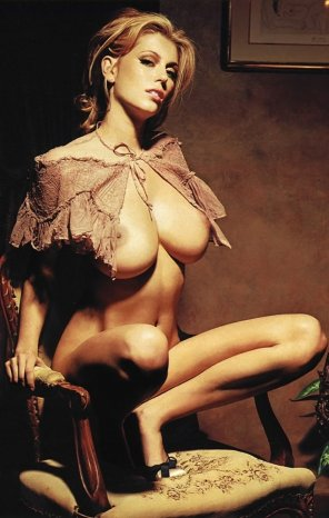 amateur photo Diora Baird