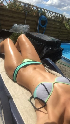 amateur photo Sunbathing