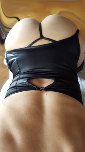amateur photo Would you ride my ass? [Petite-Tight-MILF-40]
