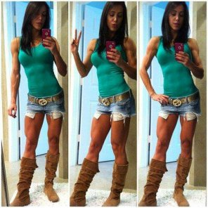 amateur photo Fit Bella in boots