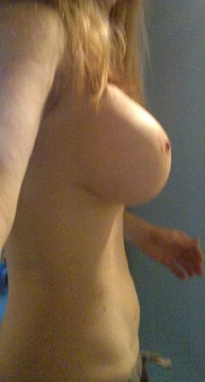 amateur photo PictureTitty