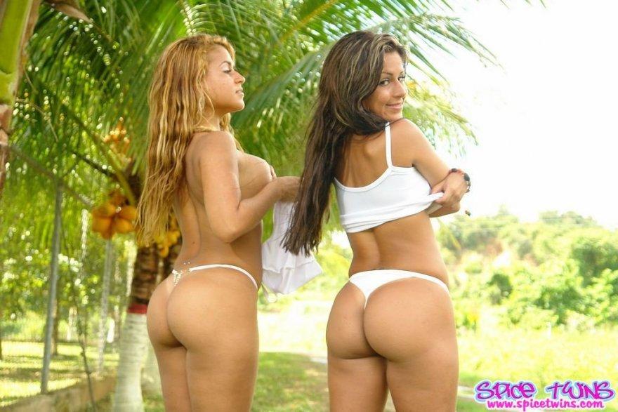 Spice Twins Porn Photo
