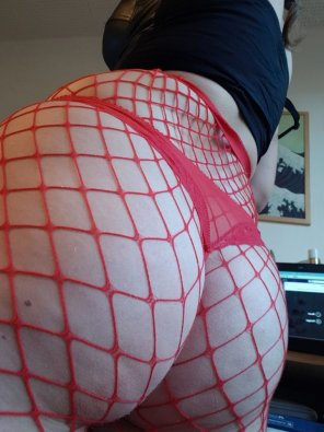 amateur photo My butt in fishnets and thong [f]