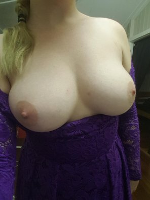 amateur photo Girl in purple dress