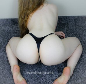 amateur photo Bent over and waiting.
