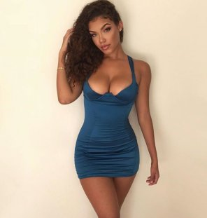amateur photo Blue dress