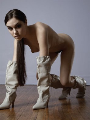 amateur photo Sasha Grey on all fours