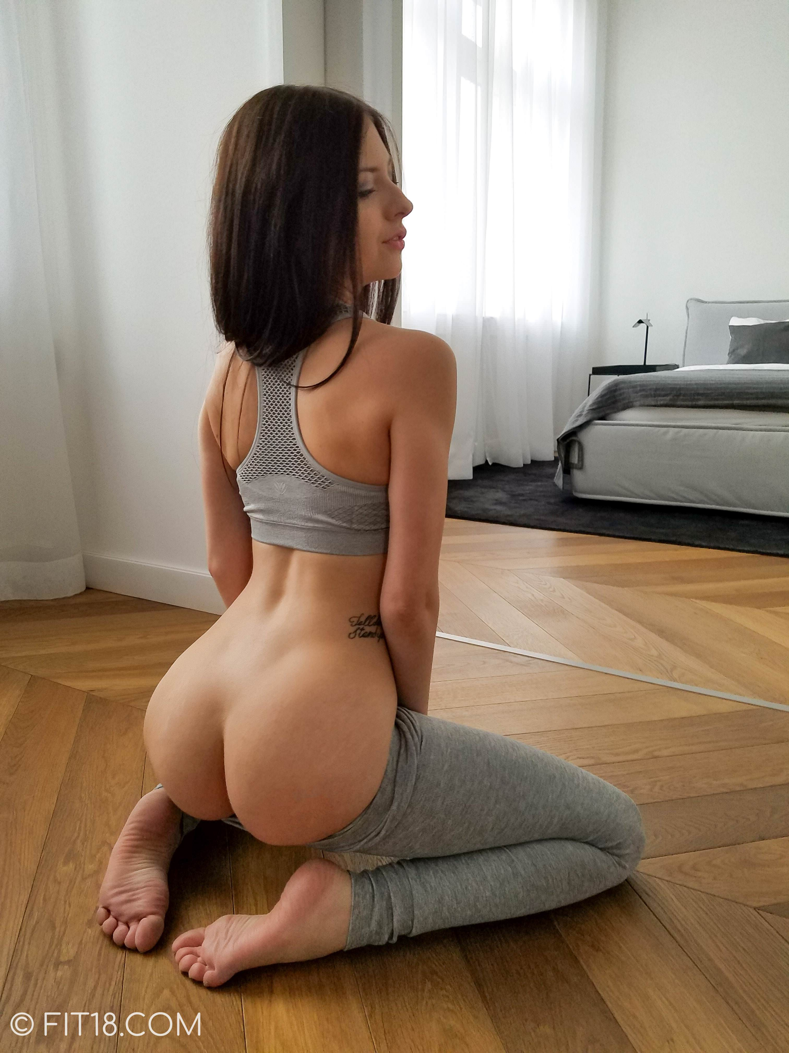 Teen pictures pussy free barely legal