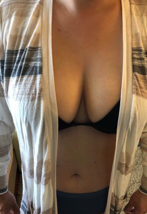 amateur photo 35 [F] - Not as revealing today