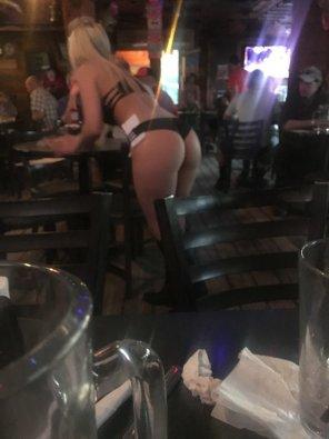 amateur photo Amazing Waitress