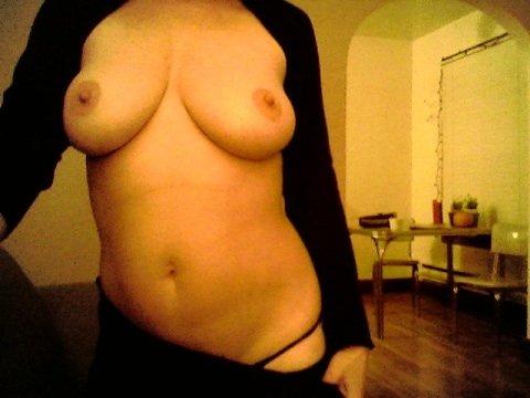 amateur photo showing them off