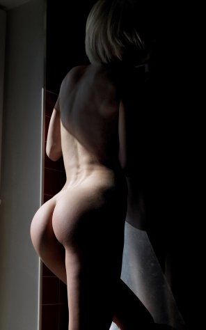 amateur photo Ass in shadows