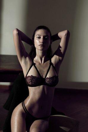 amateur photo Elizabeth Elam