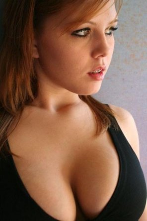amateur photo Well endowed beauty