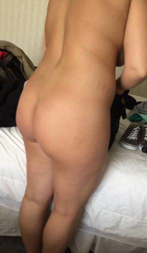 amateur photo Girlfriends round ass