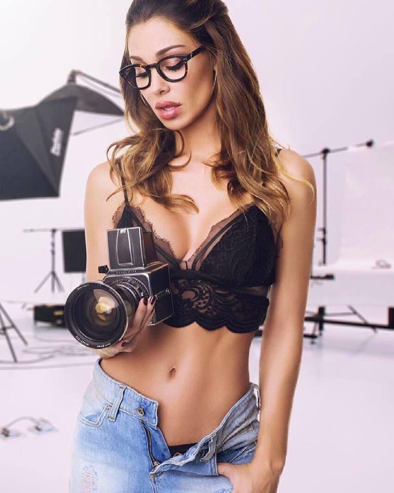 Gina Rodriguez pornósztár nem kis horderejű beismerést tett az Egyesült Államokban.