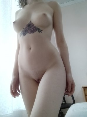 amateur photo I can be needy, so hard to please me [f]