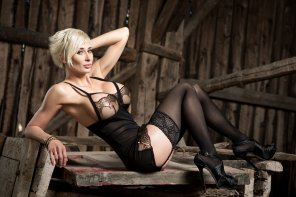 amateur photo Marie-Claude Bourbonnais in a barn