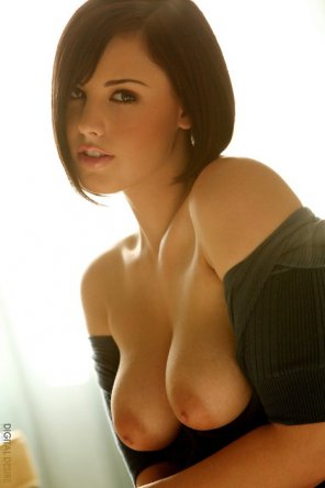 amateur photo Sexy with short hair